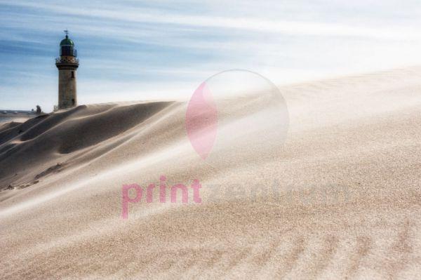 Warnemünder Leuchtturm in den Dünen